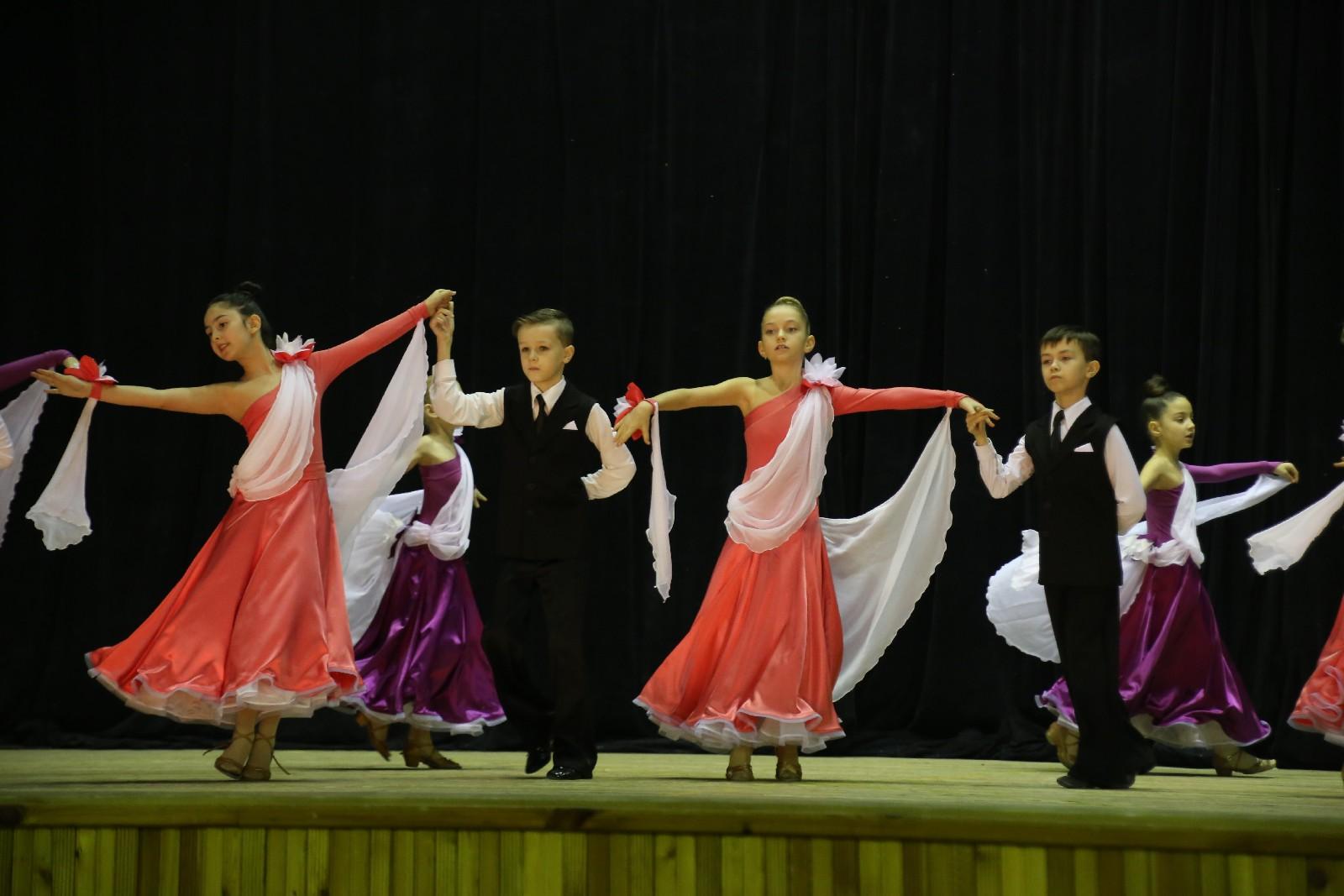 Ансамбль бального танца Торнадо
